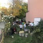"""Клуб на родителя - почистване на Био градинката в ДГ """"Таня Савичева"""" и подготовката й за зимата"""